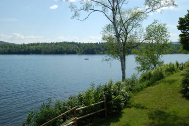 The pisgah lakefront cottage the willoughvale inn on for Lake willoughby cabins